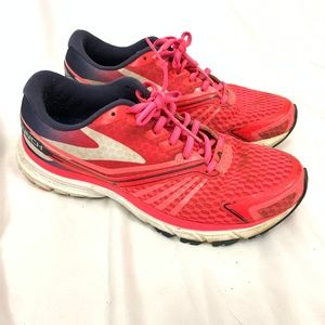 Brooks Running Shoes Size 9